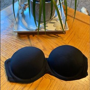Victoria's Secret/ Pink strapless bra